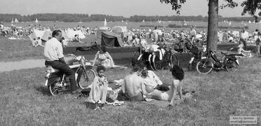 Foto's van Zwembad uit Rotterdam - Kralingse bos en plas, begin jaren 60