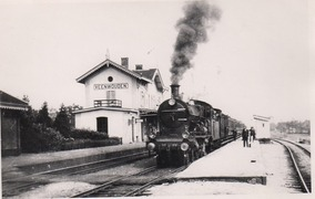 Foto's van Huizen en straten uit Veenwouden - Veenwouden. Oude foto.s 2
