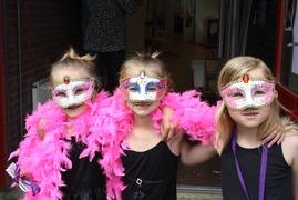 Foto's van Gala uit Westzaan - kroosduiker zomerfeest 2014