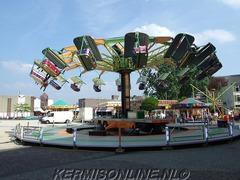Foto's van Feesten uit Hengelo OV - Kermis Hengelo - 17 april 2014