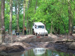 Foto's van Autosport uit Loon op Zand - trail rijden eindhoven 26 april 2009
