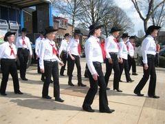 Foto's van Dansen uit Hoevelaken - Demo Nijkerkerveen 12-04-08