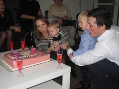 Foto's van Verjaardag - Hello Kitty taart Chelsey 1 jaar!