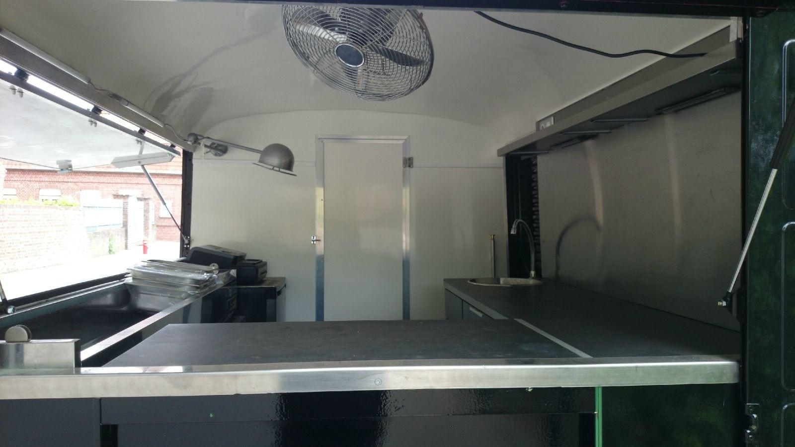 Transformation d'un HY Camping Car en Truck Food GroteFoto-RTGBYSOX