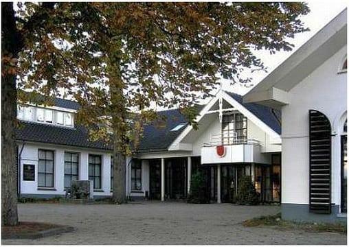 gemeentehuis leersum