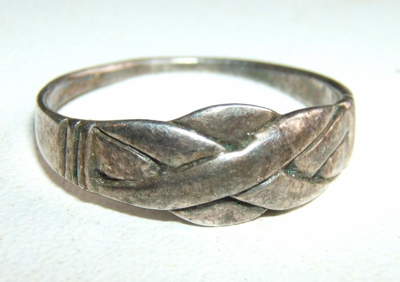 Ancienne petite bague motif tresse jus de grenier ebay - Nettoyer piece argent ...