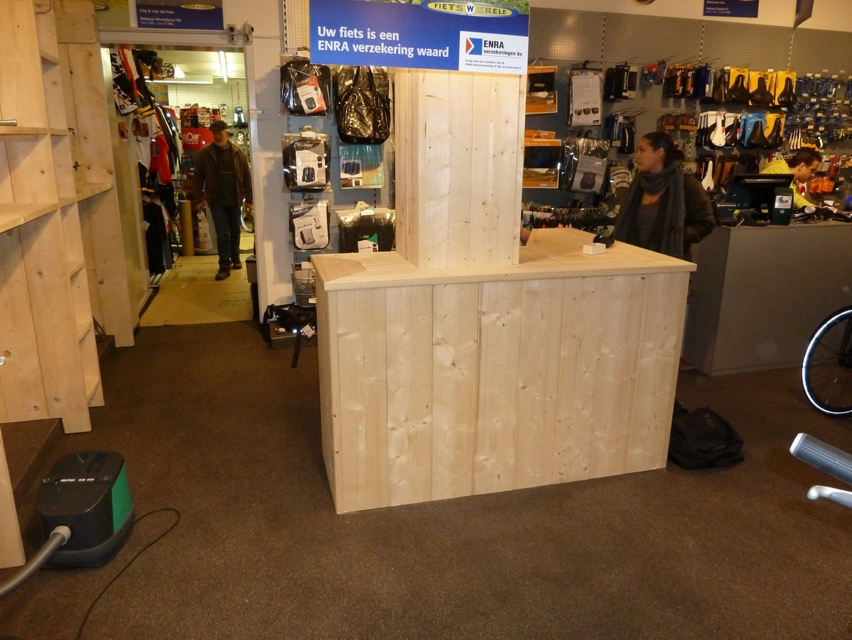 Winkelinrichting van steigerhout Chris Dijkhuis