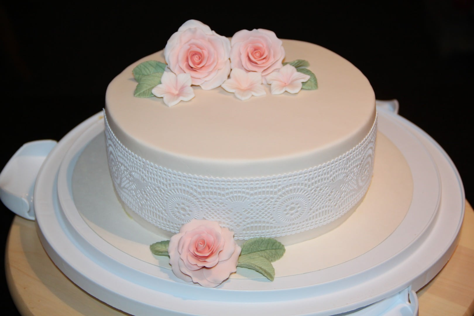 Decadent Drip Wedding Cakes - I DO YALL