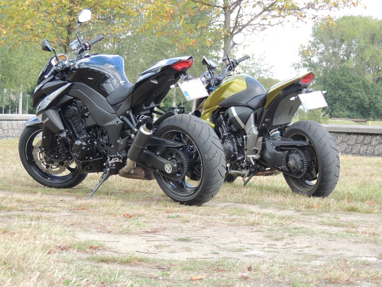 Kawasaki Z1000 Z750(S) Plaza deel 62 - Naked bikes - Motor