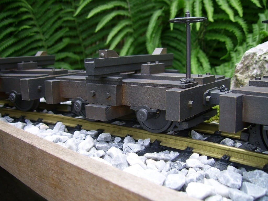 disconnect logging cars