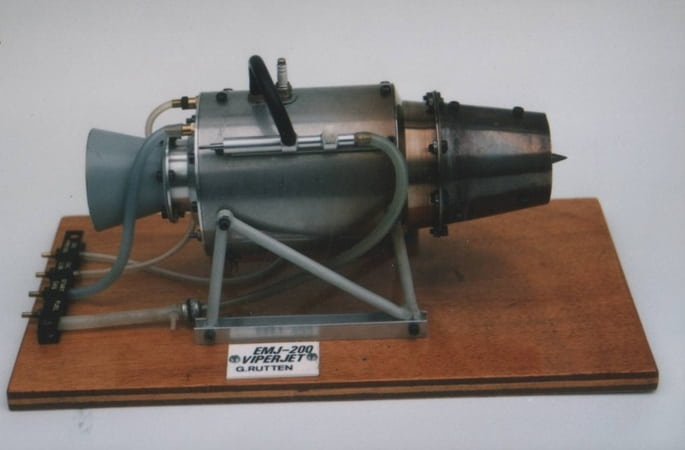 EMJ-200