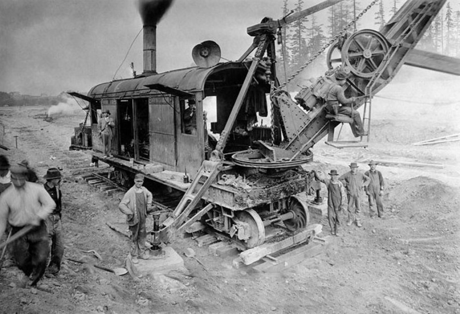 Bucyrus rail mounted steam shovel 65 ton