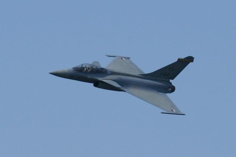 Avonds F16