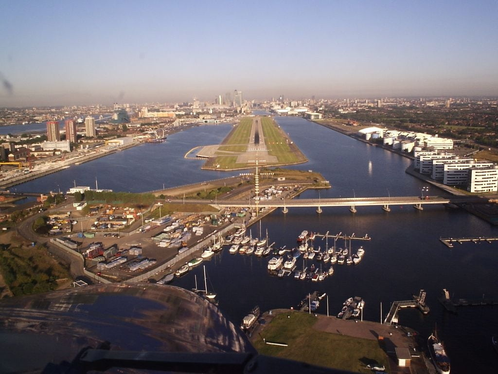 London City RWY28
