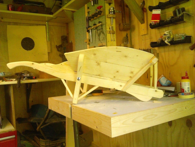 Bouwtekening houten kruiwagen