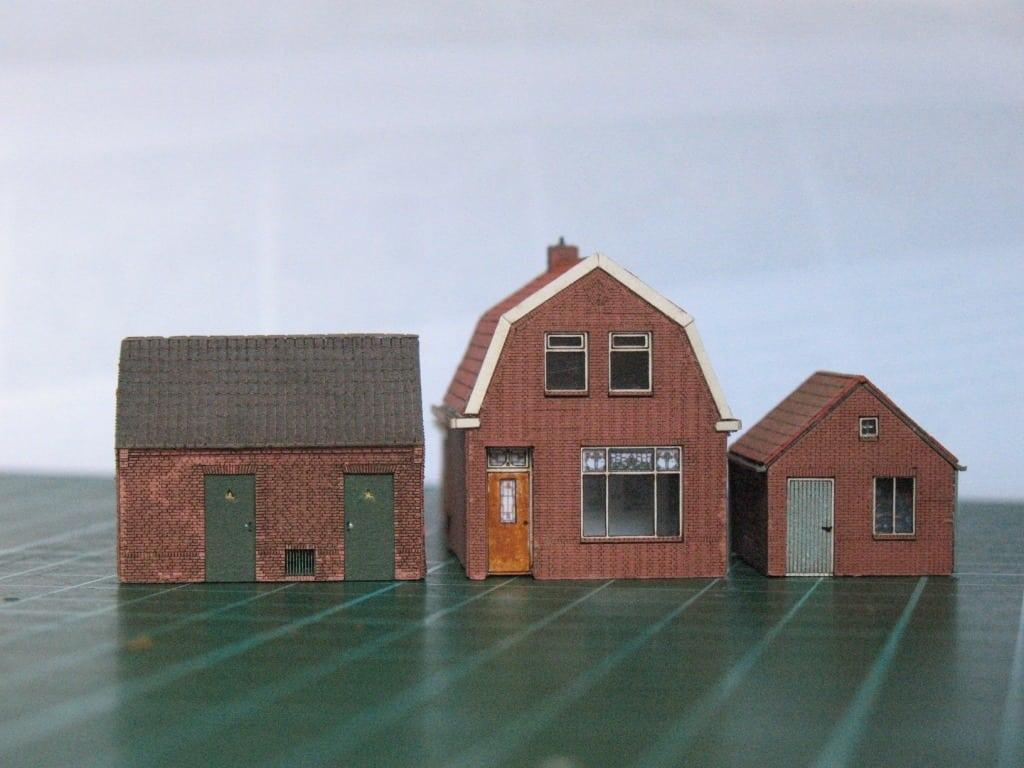 Laserkit scenery - brick house | TrainBoard.com - The Internet\'s ...