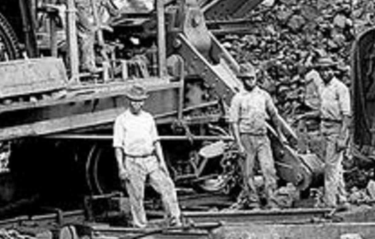 Bucyrus live steam shovel