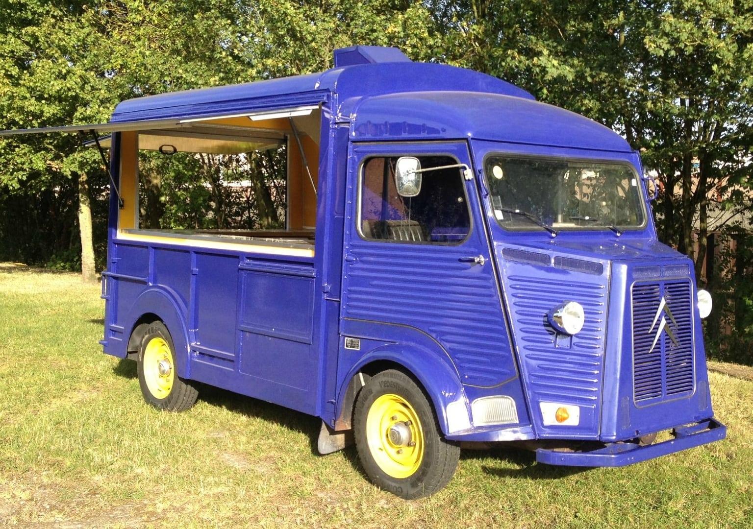 Transformation d'un HY Camping Car en Truck Food GroteFoto-BDA3J3NZ