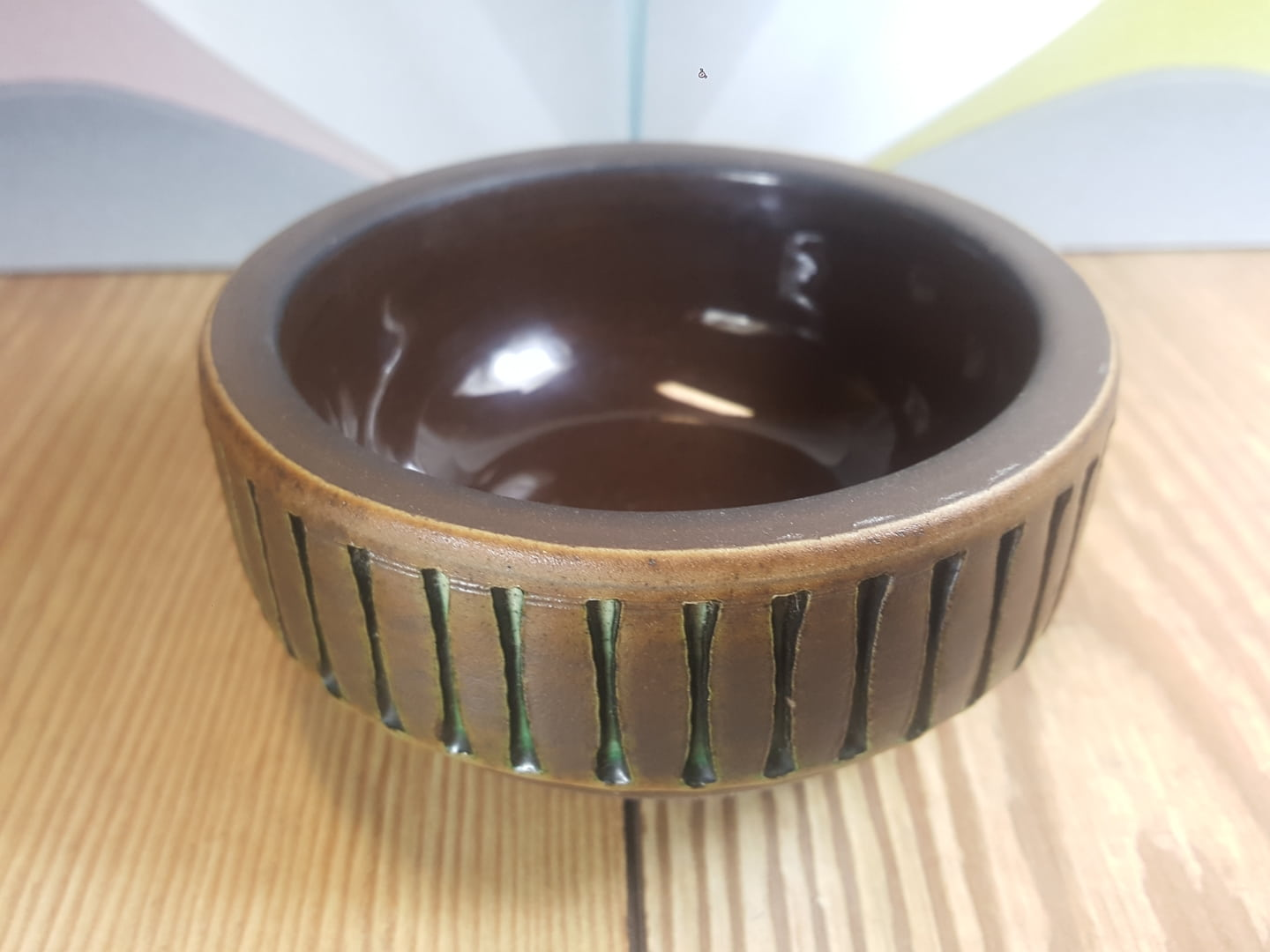 Small bowl by Tomas Anagrius (Sweden). 1k0