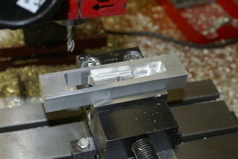F16 Machining main dragbrace