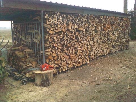 Brandhout mooi stapelen