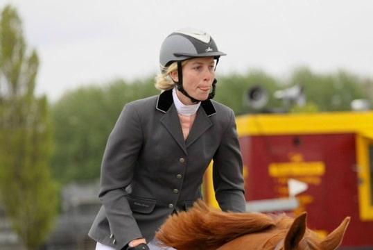 grijze wedstrijd paarden