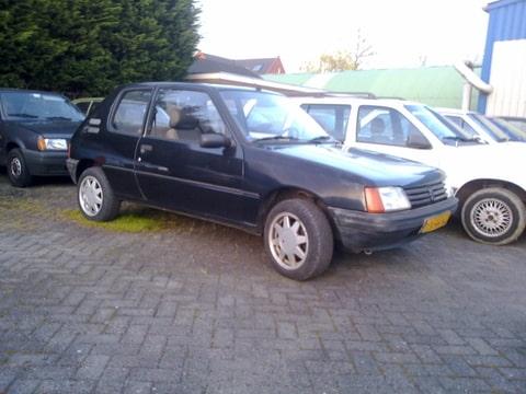 Peugeot 205 XL 1.1i 1990 P3XY | Klik voor details