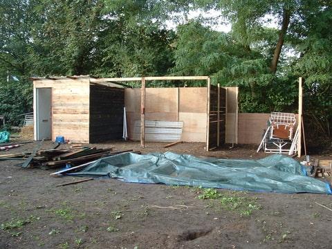 Hoe kom ik aan een stal zelf bouwen - Hoe een overdekt terras te bouwen ...