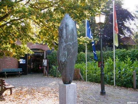 beeld tabaksteeltmuseum