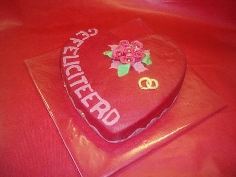 gefeliciteerd met valentijnsdag Gefeliciteerd op Valentijnsdag!!! (Pagina 1)   Taarten Parade  gefeliciteerd met valentijnsdag