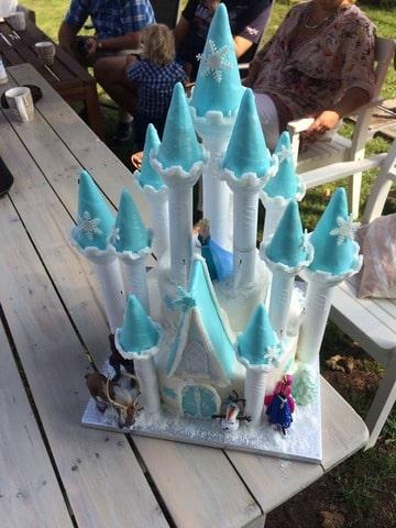Hedendaags Frozen kasteel taart en een kampioenstaart (Pagina 1) - Bruids- en XQ-57