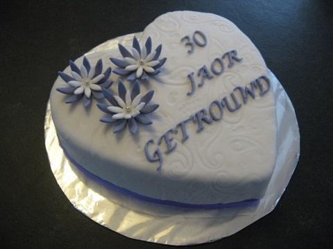 Verrassend 30 jaar getrouwd (Pagina 1) - Bruids- en Stapeltaarten XD-08