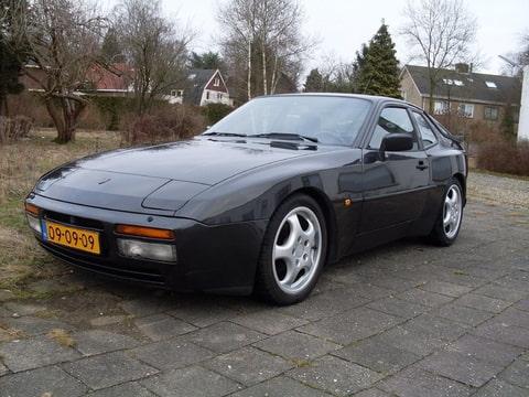 Toon onderwerp porsche 944 for Porsche 944 interieur