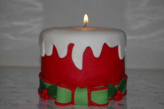 Bougie de Noël et bougie d'anniversaire Foto-LG47ZCU7