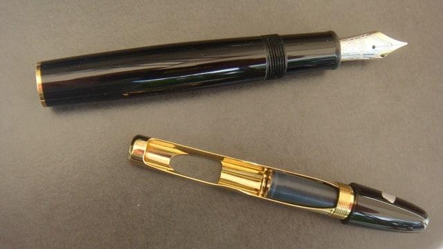 stylo plume montblanc 147 legrand traveller plume f or 14k prix 630 n vi103. Black Bedroom Furniture Sets. Home Design Ideas