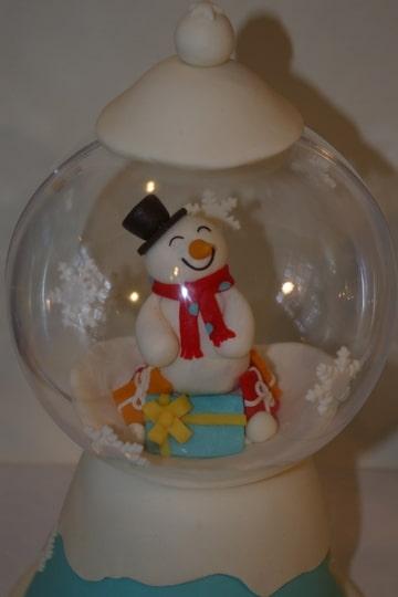 Gâteau Boule à neige Foto-UK6ENM6K