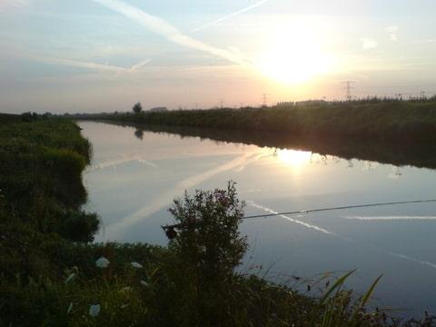 Zonsondergang aan de Linge