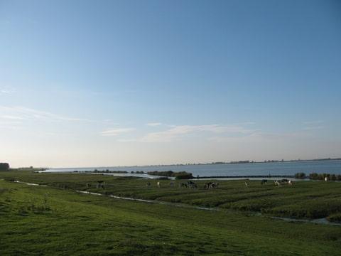 110km: Tour de l'île de Goere-Overflakkee(NL): 26-27/08/2011 Foto-UHK6KDND