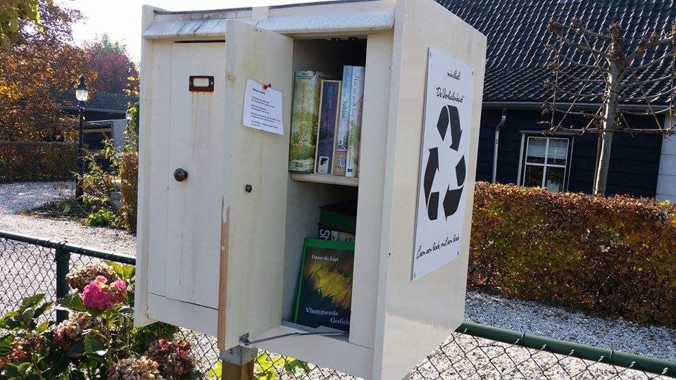 Giessenburg minibieb littlefreelibrary vlammende gedichten
